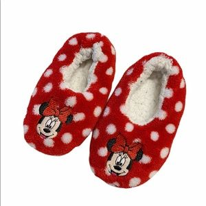 Red polka dot Minnie Mouse slippers girls 5